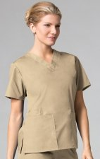 1016 Maevn CORE - 2 Pocket V-Neck Top - Khaki